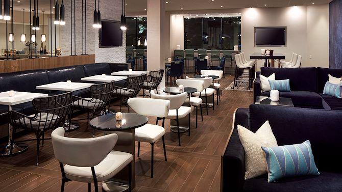 LAXIR M Club Lounge seating