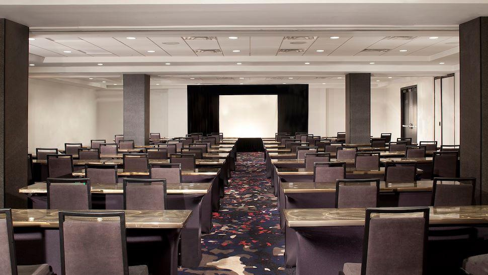 Del Rey Ballroom - Classroom Setup