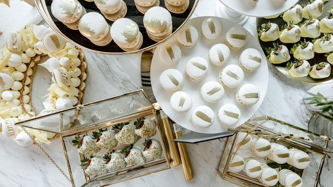 Pavlova Finger Dessert