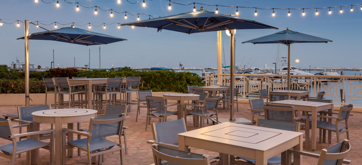 Miami Bar And Grill Waterfront Dining Miami Marriott