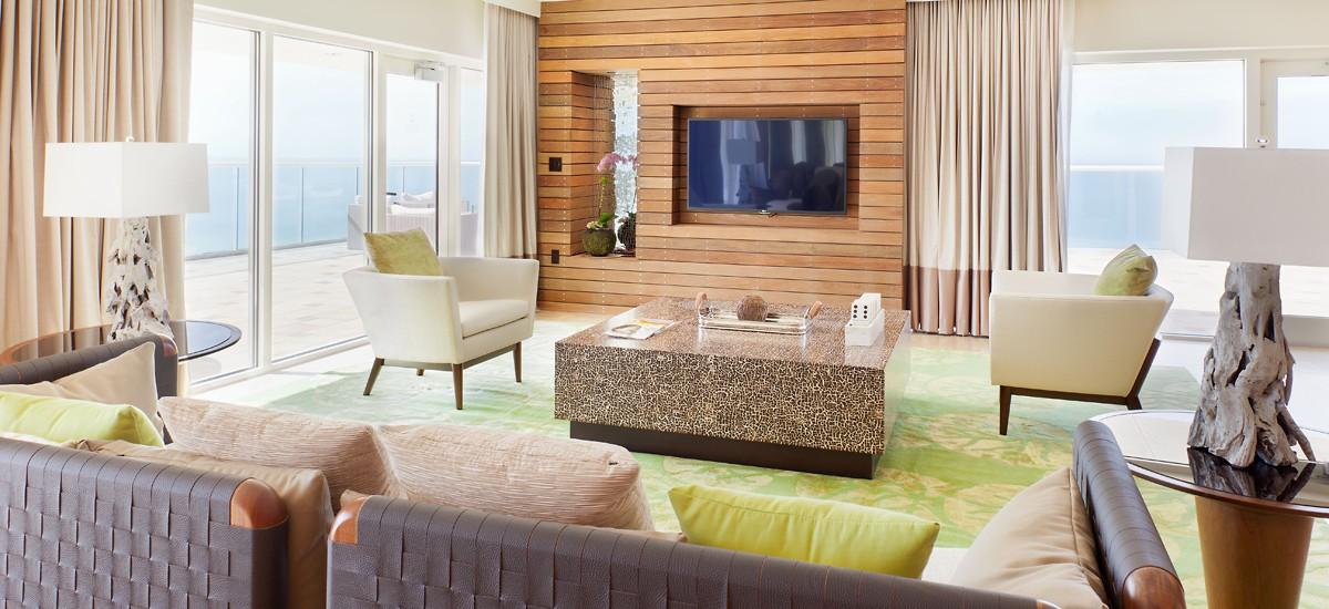 Naples hotel suites.