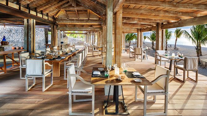 mruxr-dining-boathouse