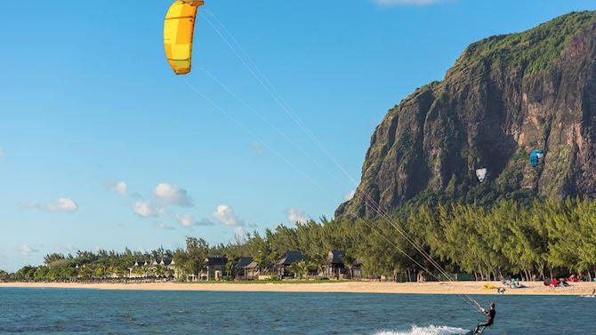 mruxr-experiences-kitesurfing