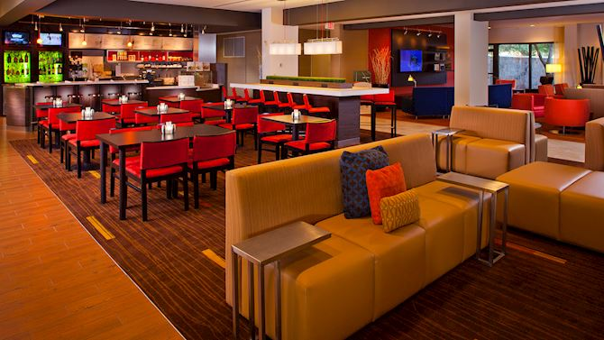 msycm_AttractionsInMetaire_bistro