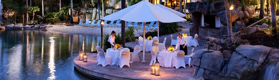 Outdoor dining Surfers Paradise