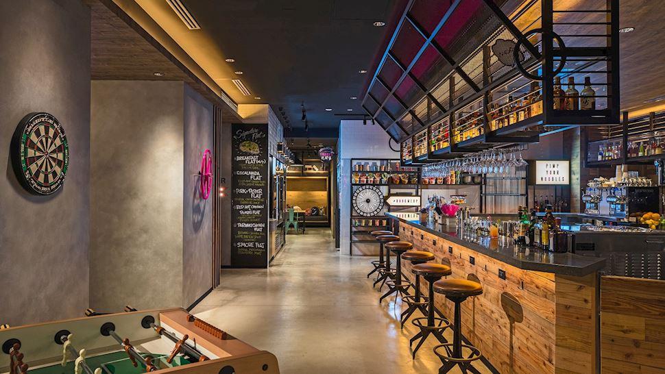 Moxy Café & Bar