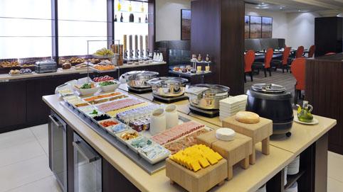 Le Restaurant - Breakfast Buffet