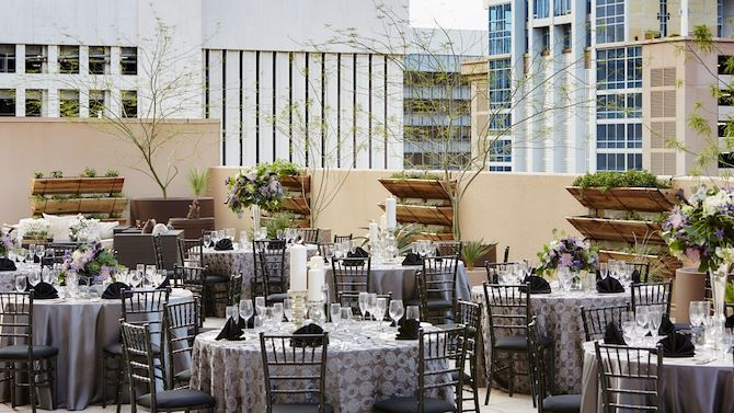 phxbd_weddings_skylineDinner