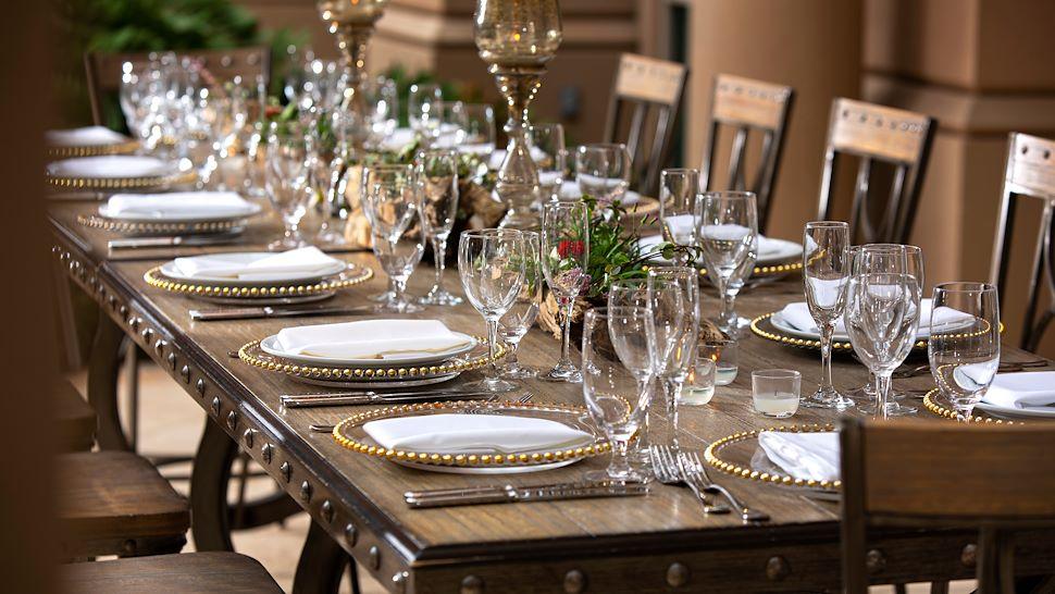 La Fuente Courtyard - Dinner Setup