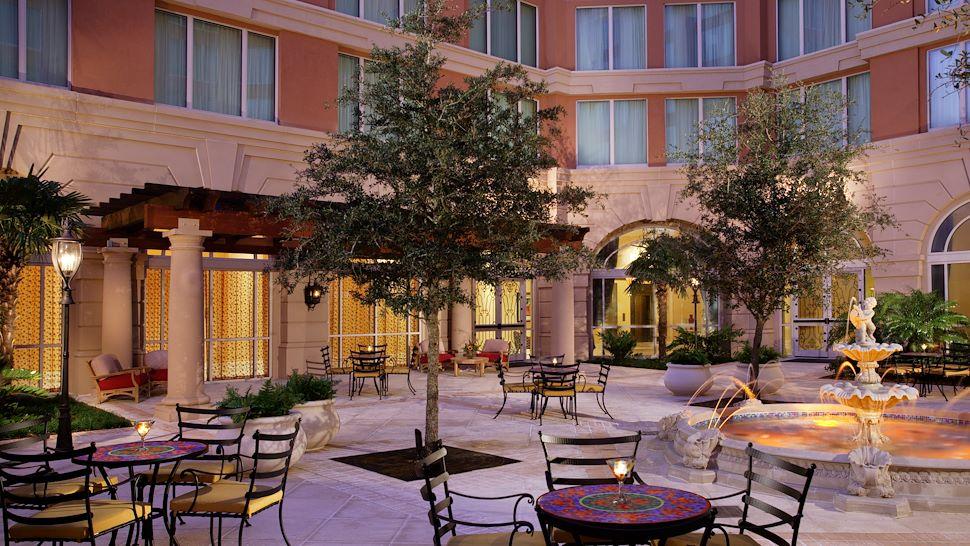 La Fuente Courtyard