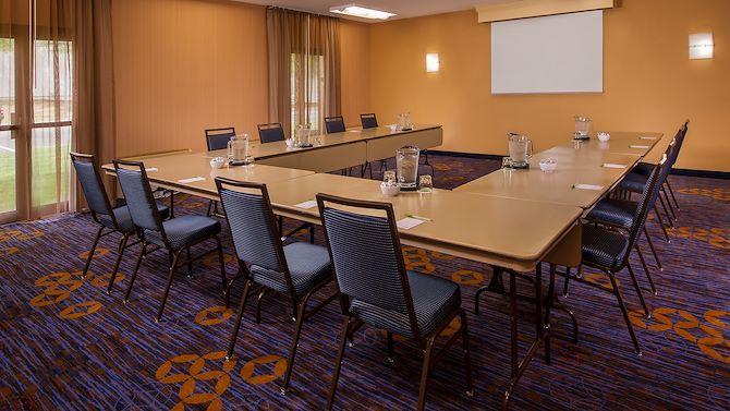 ricwe_meetingroom_home