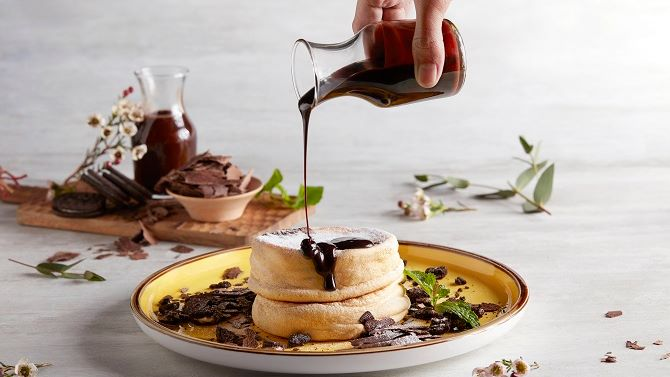sinfp_fourpointseatery_souffle_chocolate
