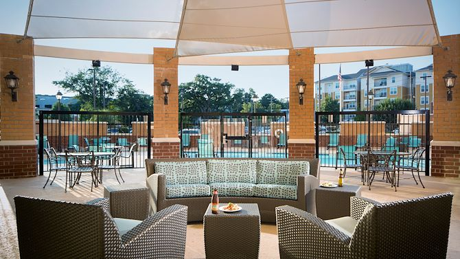 tlhdt-outdoor-seating
