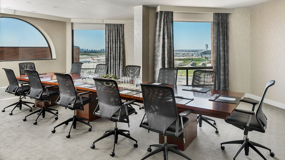 Prime Minister Suite - Boardroom