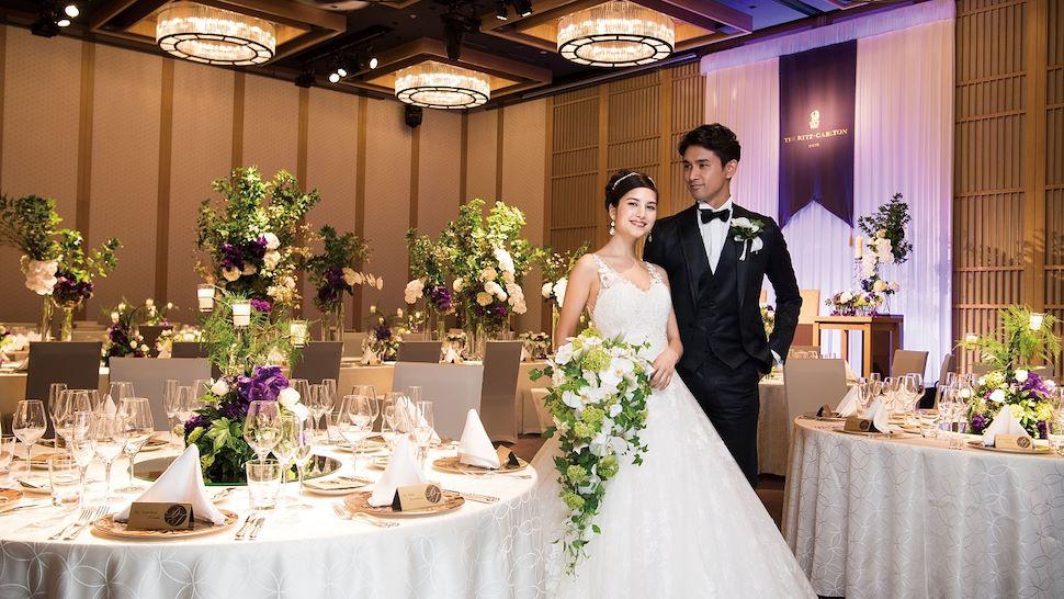 平日・1日1組限定で、フォトウエディングと、鴨川と東山三十六峰を見渡すゲストルームでのご宿泊がセットとなった「The Wedding Experience of a Lifetime」を提供いたします。
